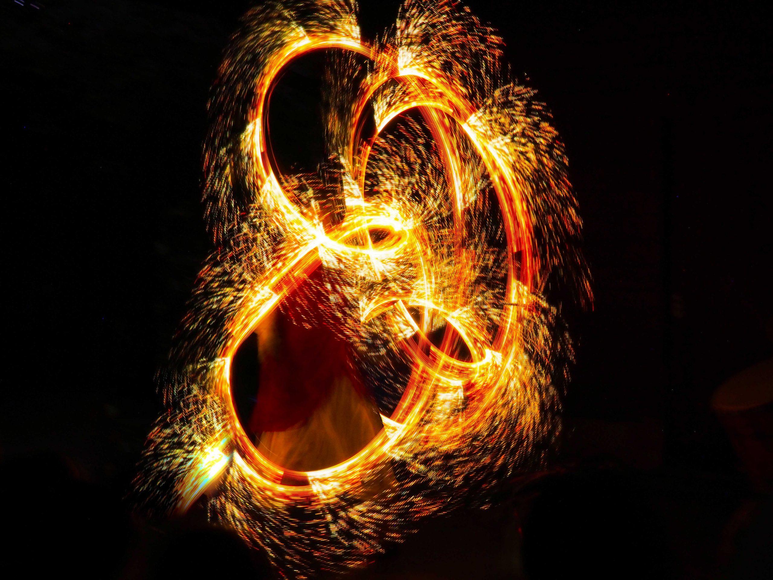 Prouesse de lumière par Maître Albertius ! Univers fantastique!