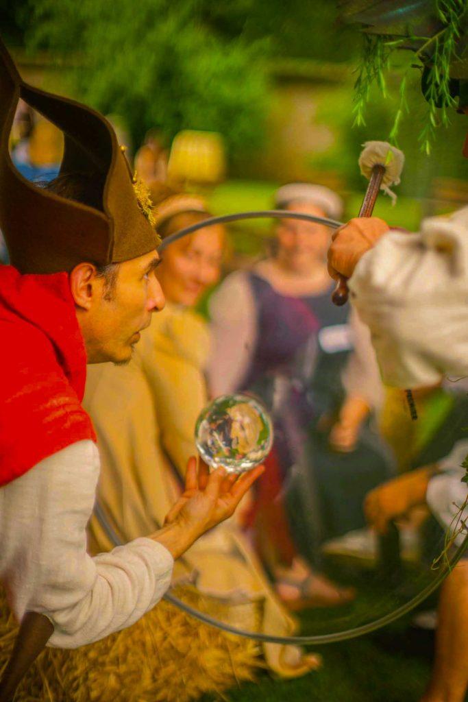 Sphère magique diras-tu l'avenir! Animation poétique