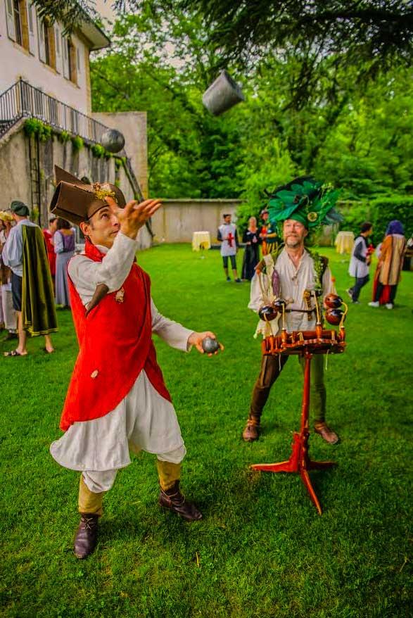 Animation médiévale de jonglage à Vaumarcus